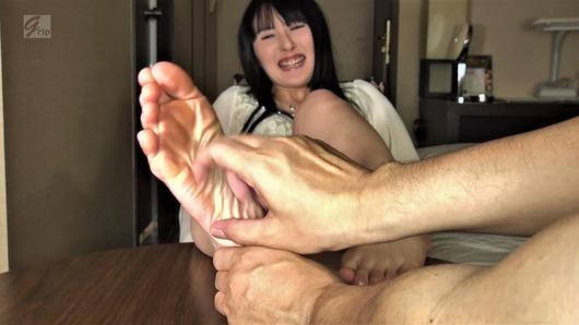 素人女性の足裏くすぐり