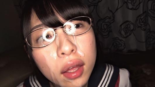 メガネのあおいれなに顔射