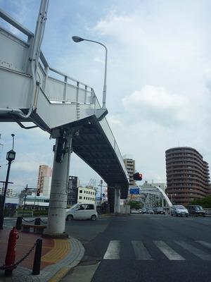 20120909信号待ちの開運橋@盛岡市