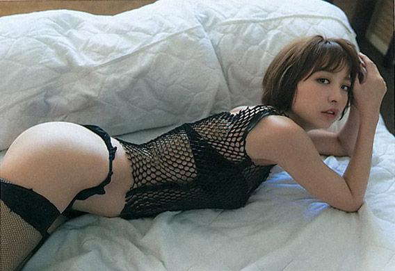 篠田麻里子<br>