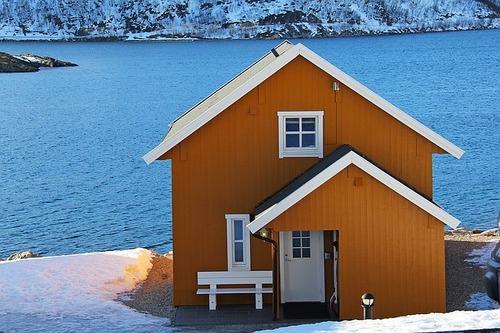 fishermen-cabin-1191186_640