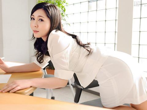 元地方局女子アナが無修正デビュー!生本番ニュースショー