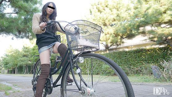 ちゃりん娘 ~見てください!こんなマンコで自転車乗ってます~