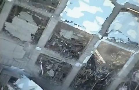 T-HALK T-ホークによる福島原発空撮映像 4号機アップ