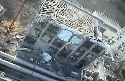 T-HALK T-ホークによる福島原発空撮映像 4号機
