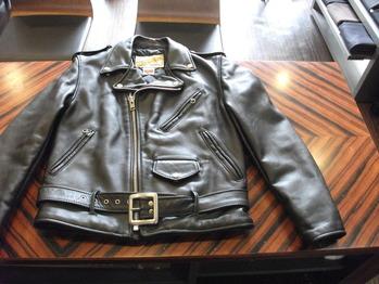 レザージャケット 『身幅~AH~袖幅つめ、上で袖丈つめ』