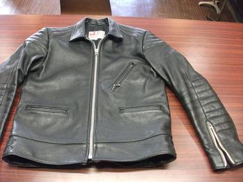 レザージャケット 『上で袖丈つめ』