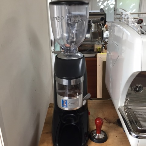 使いこなせば最高の相棒,,,『COMPAC COFFEE GRINDER』