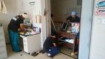 居室泥取り後、備品汚れふき取り