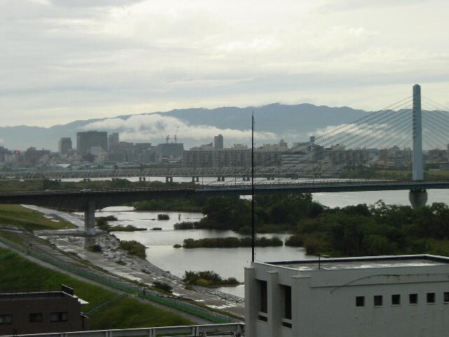 20071026雨上がりの六甲山遠方(近)