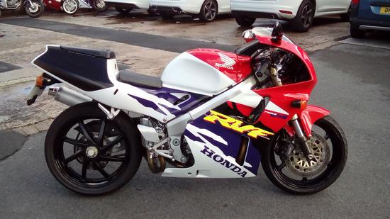 RVF400R