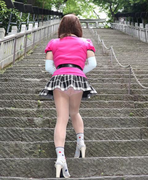パンチラ1/階段
