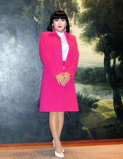 ロマン小説16/ハイアットデート服ピンクのコート