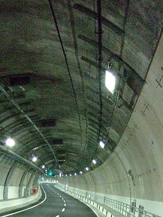 トンネルウォーク07