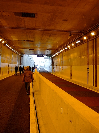 トンネルウォーク15