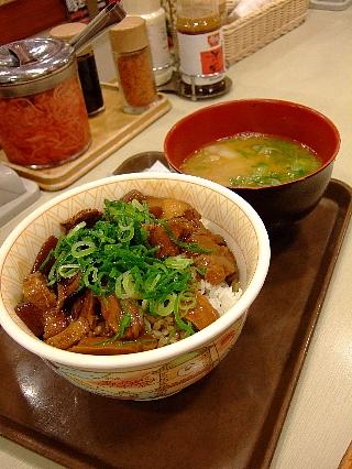 豚とろ角煮丼02