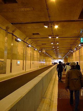 トンネルウォーク14