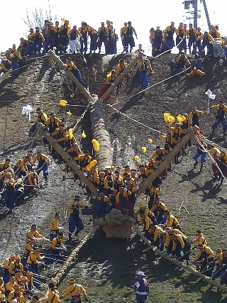 御柱祭り22