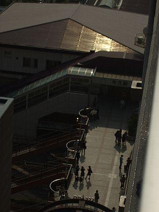金環日食の牛久駅