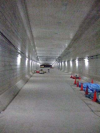 トンネルウォーク11