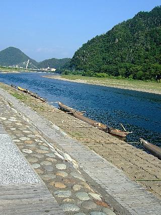 長良川と鵜飼舟01