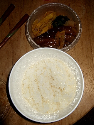 つばめ豚角煮丼02