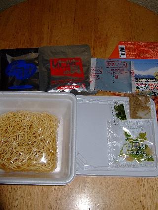 カップ富士宮焼きそば02