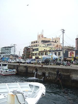 日間賀島と宿01