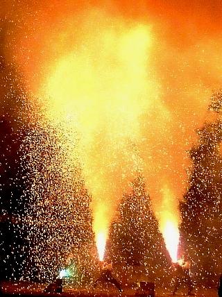 炎の祭典01