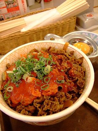 大辛キムチ玉子牛丼03