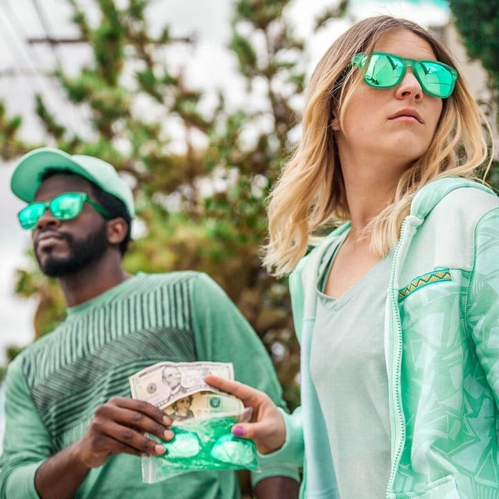 easter_bunny_sunnies_0003_lifestyle_green