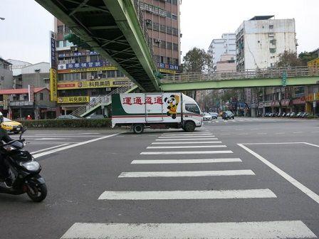 台湾でパンダ (2)