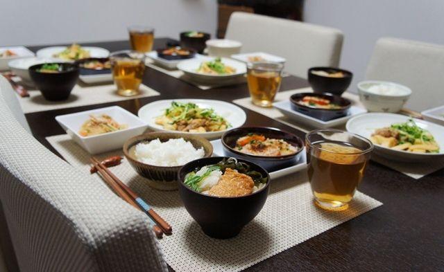 とりあえず晩ご飯~豚肉と筍のピリ辛味噌炒めには豆苗も入れてやろう~