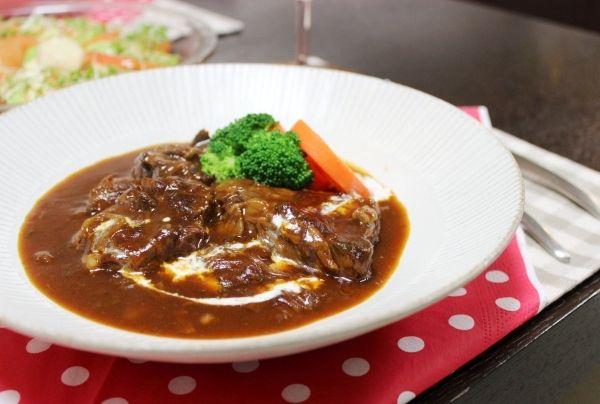 レシピ。~おかめ家の牛肉のデミグラスソース煮 ビーフシチューとも言う~
