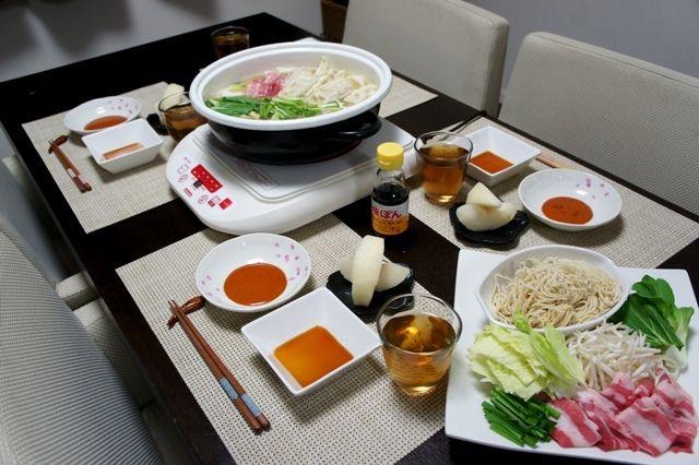 さぶろー山の豚骨スープ~ジューシー餃子鍋~