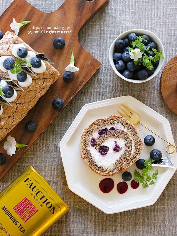 【レシピ】グルテンフリー♡ブルーベリーのレアチーズロールケーキ。