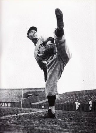sawamura-eiji-pitcher
