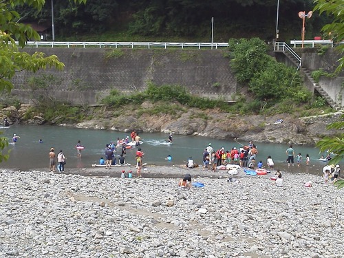 あそびごおらまつり川