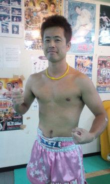 沖縄キックボクシングトレーナー「ムエカオ」のブログ-101209_1928~02.jpg