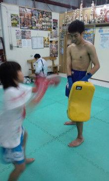 沖縄イケメントレーナー「ムエカオ」のブログ-110106_1838~01.jpg