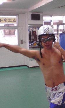 沖縄イケメントレーナー「ムエカオ」のブログ-091128_1702~02.jpg