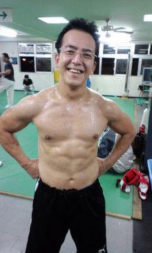 沖縄イケメントレーナーのブログ-100409_2148~02.jpg