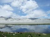 湖面に輝く雪山01