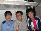 列車01_おばちゃんと、はい、チーズ!