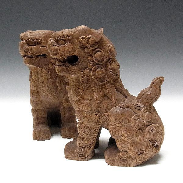 花梨(カリン) 木彫りの狛犬 (獅子狛犬) 高さ:19cm (販売・木彫り)