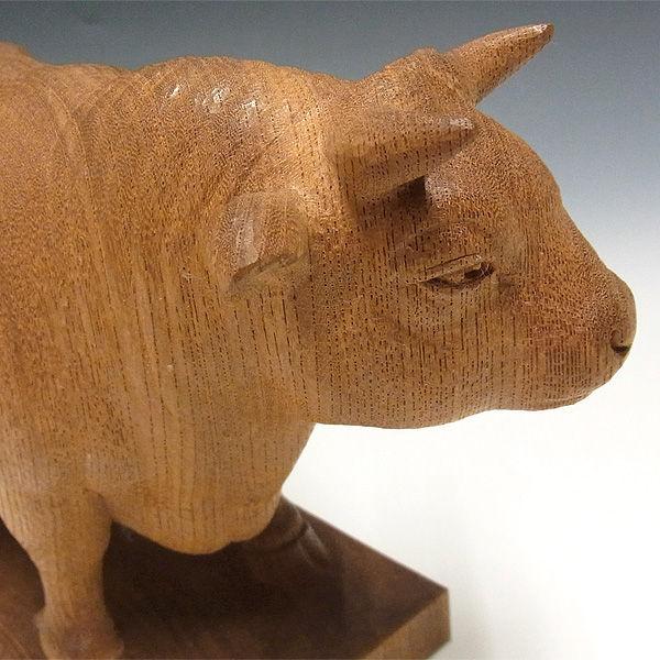 極上欅(ケヤキ) 牛(丑) 木地仕上げ 高さ:17cm 【国内(日本人)仏師作品】 (木彫り・販売)