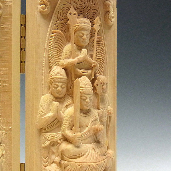 柘植/黄楊(ツゲ) 厨子 釈迦三尊(十三仏) 高さ:16cm (販売・木彫り)
