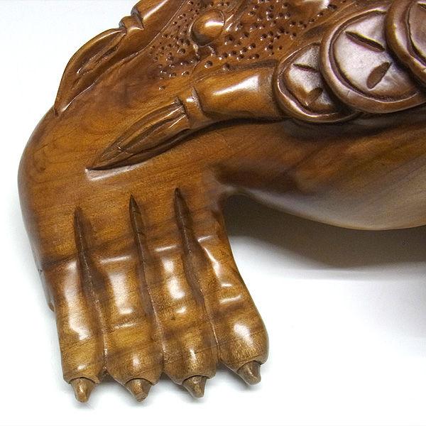 【特別プライス】楠/樟(クス) 銭蛙 高さ:16cm 奥行き:40cm (販売・木彫り)