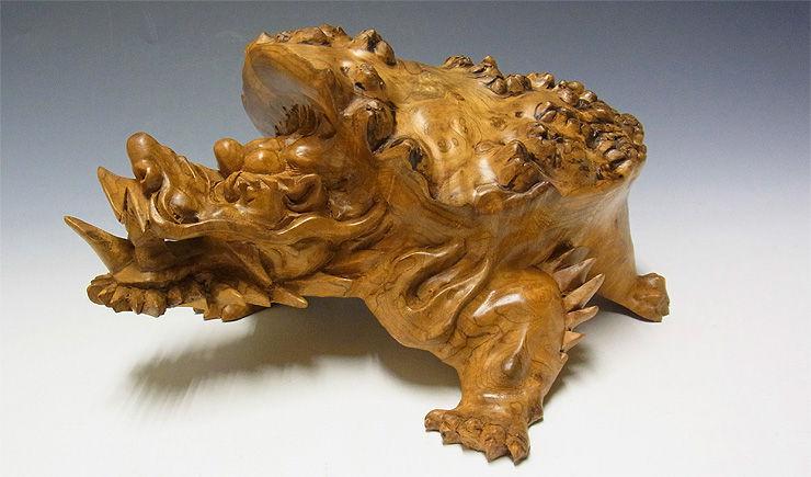 【特別プライス】楠/樟(クス) 木彫りの龍亀(ロングイ) 高さ:12cm(台座を含む) (販売・木彫り)