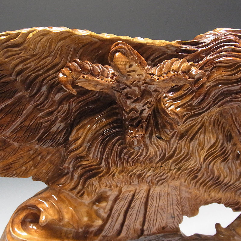 楠/樟(クス) 木彫りの鷹 幅84×高さ44cm (販売・木彫り)